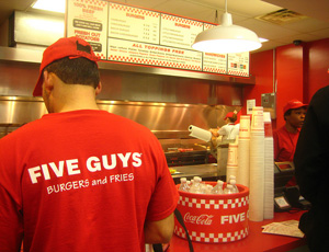 Five guys espère ouvrir 40 restaurants en France