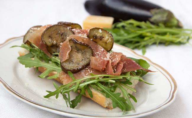 Baguette aubergine recette de sandwich au jambon et parmesan - Recette sandwich froid baguette ...