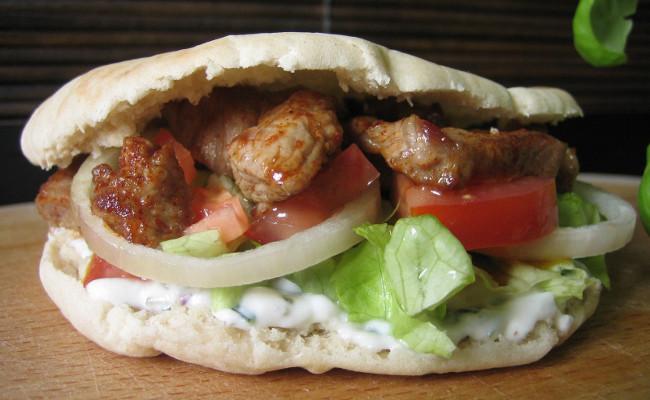 sandwich turc recette d 39 un sandwich kebab maison. Black Bedroom Furniture Sets. Home Design Ideas